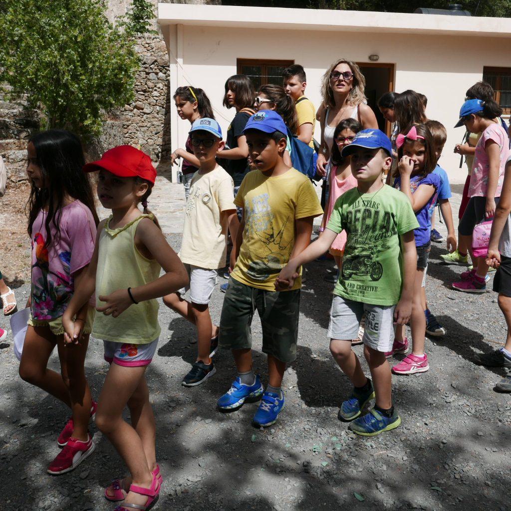 Schoolchildren from Chania visit Museum Vlatos